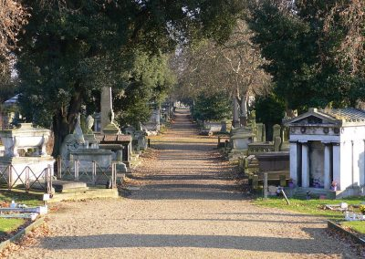 1200px-Kensal_Green_Cemetery_view_December_2005